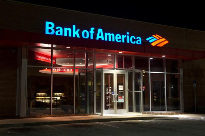 88-bank-of-america-at-night